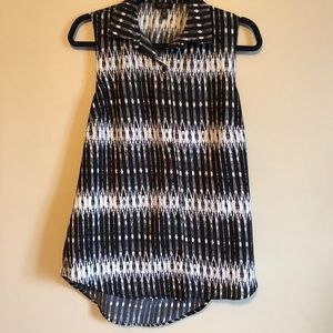 Jessica Simpson Black and White Button Up Work Top